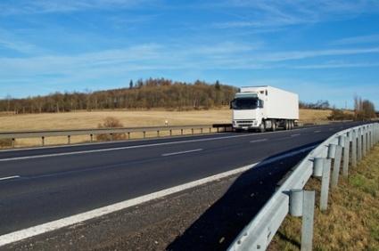 Liikennevirasto varoittaa: Maantiellä oltava nyt erityisen varovaisia!